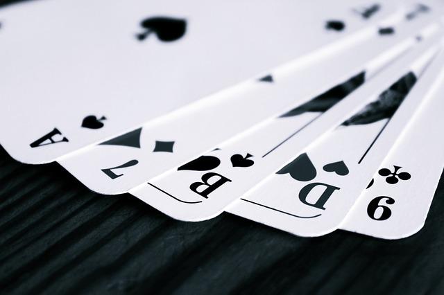 Edge Sorting ใน Blackjack กับ Baccarat